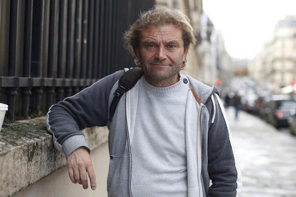 تصویر از کارتنخوابی که نویسنده پرفروشترین کتاب در پاریس شد