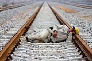 تصویر از ایران از بیماری «تنبلی اجتماعی» در رنج است!/چرا از کار میگریزیم؟
