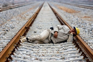 Photo of ایران از بیماری «تنبلی اجتماعی» در رنج است!/چرا از کار میگریزیم؟