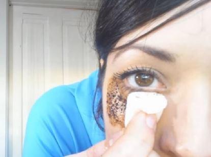 Photo of چگونه سیاهی دور چشم را از بین ببریم؟