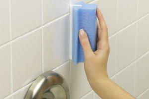 Photo of کاشی های حمام و سرویس بهداشتی را مانند روز اول برق بیاندازید!!