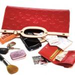 وسیلههایی که هر خانمی باید در کیفش داشته باشد