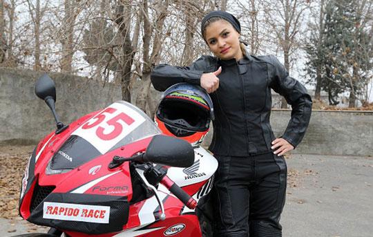 تصویر از درخشش بانوی موتور سوار ایرانی در جهان