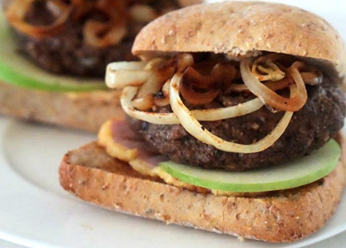 تصویر از طرز تهیه همبرگر گوشت و قارچ