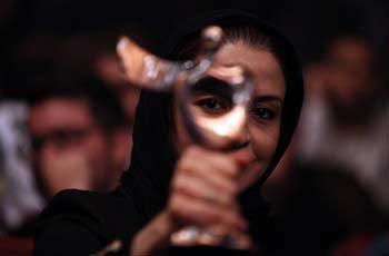 Photo of «ایستاده در غبار» بهترین فیلم شد/ رهبر حوثیها چهرهی سال مقاومت+اسامی برگزیدگان