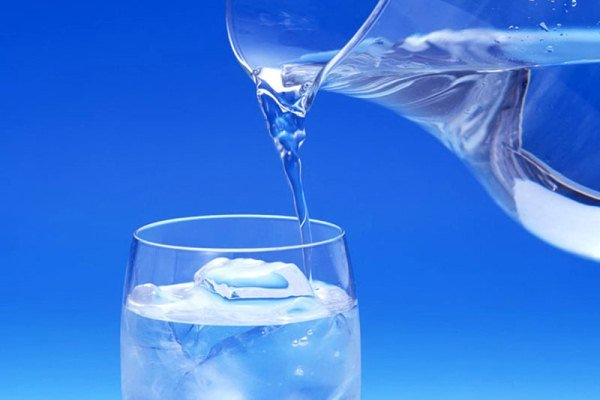 تصویر از افراد دیابتی برای کاهش وزن آب بنوشند
