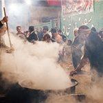 توزیع هزاران دیگ آش گندم بین مردم یزد/نذری سنتی یزدیها در اربعین