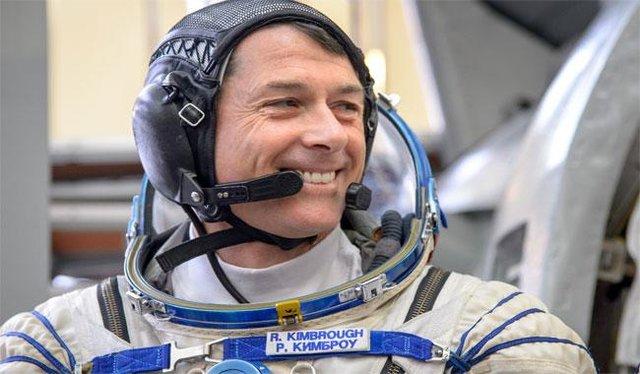 """Photo of """"شین کیمبرو"""" از فضا رای داد"""