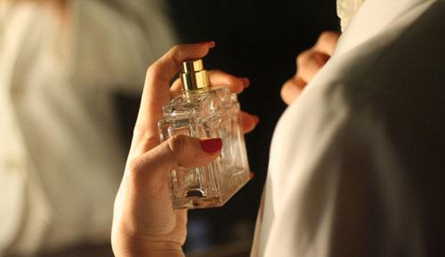 تصویر از چند باور عامیانه درباره عطر و کلمات تخصصی آن