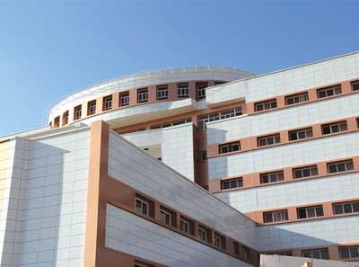 تصویر از راهاندازی بیمارستان شهید رهنمون یزد تا پایان امسال