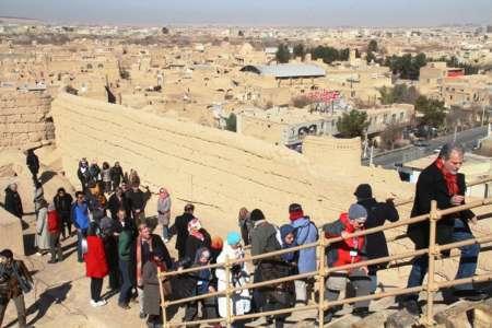 تصویر از اعضای کنوانسیون گردشگری جهانی از نارین قلعه میبد بازدید کردند