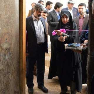 تصویر از افتتاح مرکز تخصصی نساجی یزد با حضور معاون رئیس جمهوری