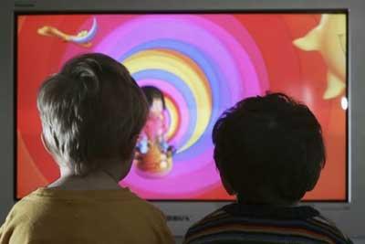 تصویر از تشدید خطر ابتلا به دیابت با تماشای زیاد تلویزیون و رایانه