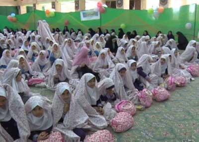 تصویر از ۸۵۰ نفر از دانش آموزان دختر مدارس میبد جشن تکلیف گرفتند