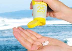 تصویر از ضدآفتاب ها جهت جلوگیری از اثرات مضر آفتاب بر روی پوست استفاده می گردند /ضدآفتاب های دارای فاکتور محافظت از خورشیدی بالا بخرید