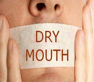 تصویر از بهترین گام ها را در خانه برای از بین بردن خشکی دهان بردارید!
