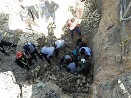 تصویر از یک کشته و دو مجروح سرانجام ریزش دیوار در خیابان کاشانی یزد
