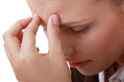 تصویر از چرا صبحها سرم درد میکند؟