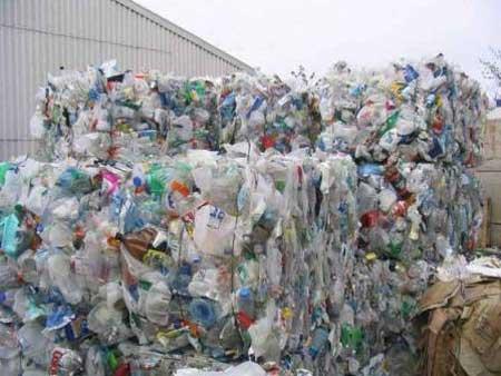 تصویر از تاکید معاون محیط زیست استان یزد بر تولید پلاستیک سازگار با محیط