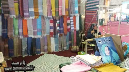 تصویر از حضور زنان سرپرست خانوار میبدی در دهمین نمایشگاه سراسری صنایع دستی در استان یزد