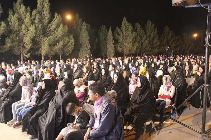 تصویر از آئین ویژه شب میلاد حضرت علی (ع) در میبد برگزار شد
