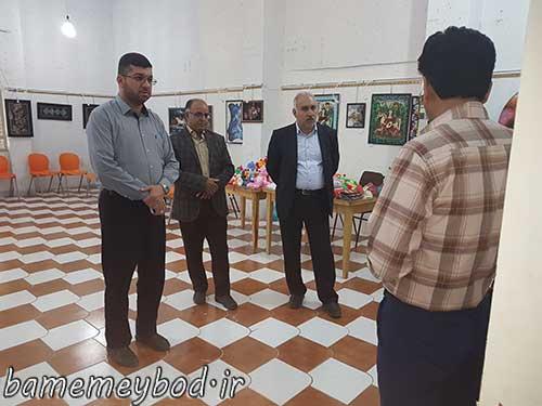 تصویر از بازدید مسئولین شهرستان میبد از نمایشگاه و فروشگاه صنایع دستی بانوان