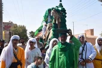 تصویر از بازسازی واقعه غدیر با راه اندازی کاروان اشراق ولایت در میبد