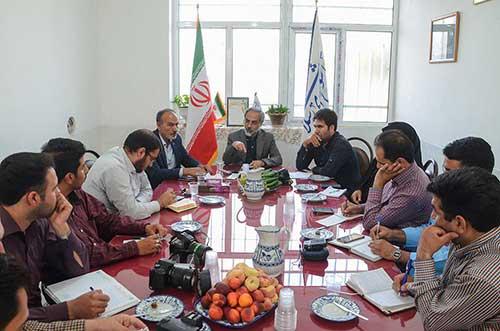 Photo of برگزاری اولین نشست خبری دکتر دهقانی نماینده مردم تفت و میبد با رسانه های شهرستان میبد