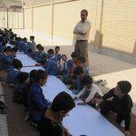اجرای نقاشی همگانی توسط دانش آموزان آموزشگاه حاج جواد جندقی به مناسبت روز جهانی کودک