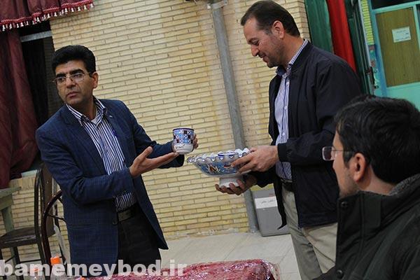 تصویر از دورهمی اعضای انجمن های خوشنویسی میبد و اردکان در کانون شهید رجایی میبد