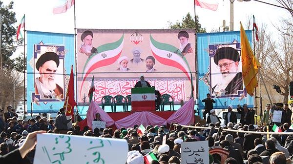 Photo of راهپیمایی شکوهمند همبستگی و بصیرت در میبد / فتنه گران تنها اصل دین و نظام دینی کشور ما را هدف قرار داده اند