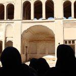 بازدید گروه لیدر محلی از بافت تاریخی بفروئیه و قلعه مهرجرد