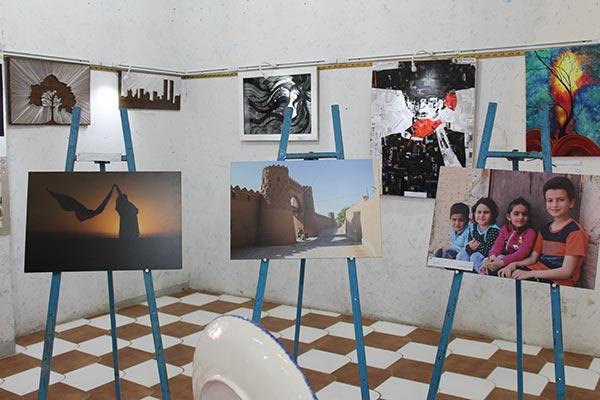 تصویر از تصاویری از برگزاری نمایشگاه فریاد قلم در فرهنگسرای میبد