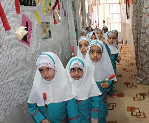 جشن میلاد حضرت زهرا (س) در دبستان قرآنی بهجت در میبد برگزار شد