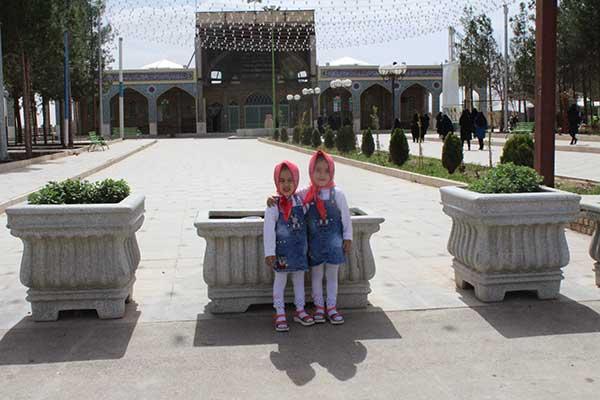 Photo of بازدید بانوان کارمند شهرداری یزد و ادارات و سازمانهای وابسته به آن از بافت تاریخی شهر میبد