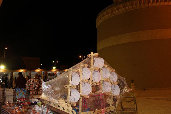 تصاویری از برگزاری نمایشگاه صنایع دستی و محصولات غذایی در برج کبوتر خانه میبد
