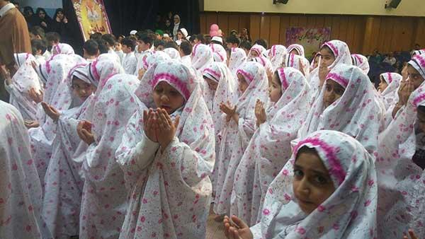 تصویر از برگزاری همایش یاوران نماز در دانشکده علوم قرانی بفروئیه میبد
