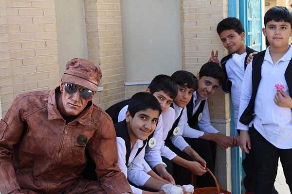 تصویر از تصاویری از برگزاری جشنواره گل محمدی به همراه گلاب گیری در شهرک صنعتی جهان آباد میبد