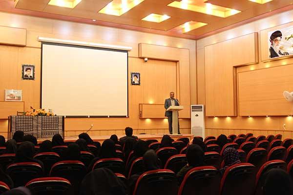 دومین جلسه شرکت تعاونی بانوان میبد برگزار شد/ میبد مهد ترویج هنر صنعت هایی مانند کاربافی و زیلو