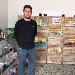کارآفرین فعال در زمینه پرورش گل و گیاهان زینتی و همچنین شاغل در حوزه تعمیرات سخت افزار