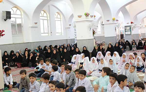 Photo of برگزاری جشن نماز و پایان سال پیش دبستانی بشری مصلی در امامزاده میر شمس الحق میبد