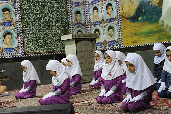 Photo of فیلم /اجرای سرود امام زمان (ع) توسط نونهالان رکن آباد میبد