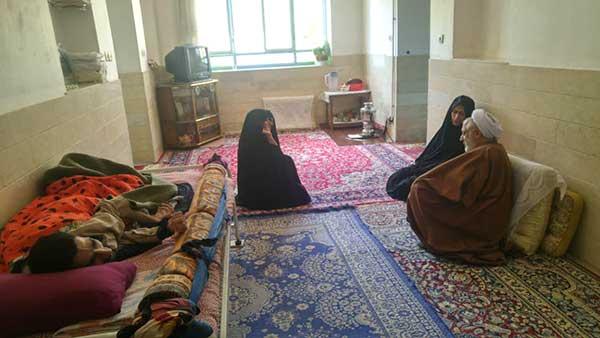 تصویر از اجرای طرح ضیافت مهر در ماه مبارک رمضان / توزیع سبد کالا به ارزش ۱۷۰ میلیون ریال بین مددجویان بهزیستی