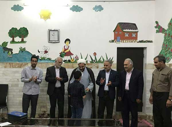 تصویر از حضور شهردار و اعضای شورای شهر میبد در جمعی صمیمی در خانه کودکان و نوجوانان این شهرستان