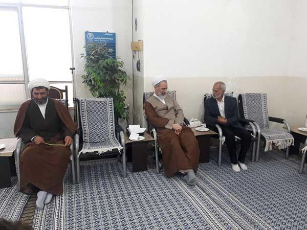 تصویر از دیدار هیئت پهلوانی و زورخانه ای میبد با آیت الله اعرافی