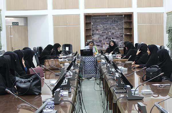 Photo of چهارمین نشست کمیته مشورتی بانوان میبد / نقش موثر بانوان در حهت پیشگیری از آسیبهای اجتماعی