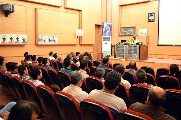 Photo of برگزاري همايش آسيب هاي اجتماعي و پيشگيري از اعتياد در ميبد/ كسب مهارتهاي فردي شيوه اي موثر در كاهش آسيب هاي اجتماعي می باشد