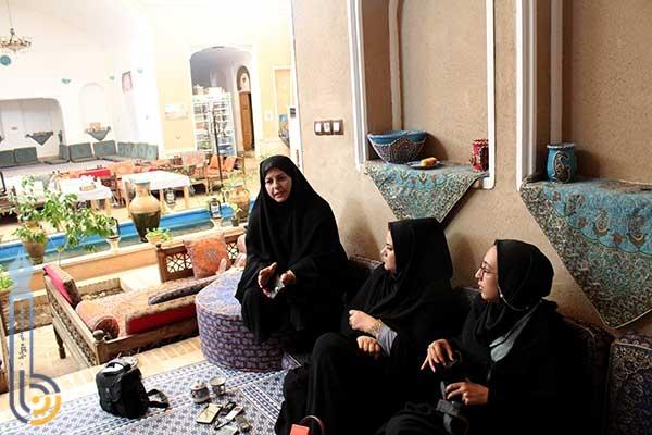 Photo of یک مکان ثابت برای خانمهای فعال درحوزه مشاغل خانگی جهت عرضه محصولاتشان