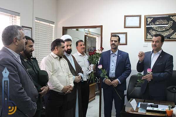 تصویر از برگزاری مراسم تجلیل از مقام پزشکان در بیمارستان امام جعفر صادق (ع) میبد