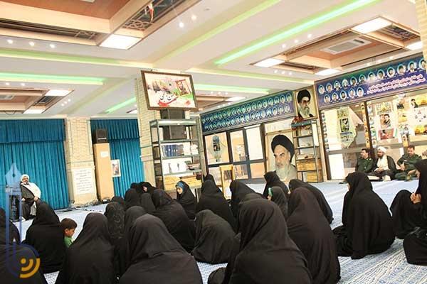 Photo of تجمع خواهران بسیجی میبد در رزمایش عاشورایی سپاهیان حضرت محمد (ص) / فشارهای اقتصادی مرتبط با عدم مدیریت تیم اقتصادی در کشور می باشد